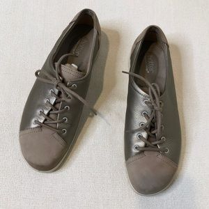 NEW Hotter Dew Orthopedic Bronze Lace Sneaker